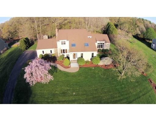 Single Family Home for Sale at 3 Pheasant Hl 3 Pheasant Hl Bellingham, Massachusetts 02019 United States