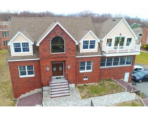 Maison unifamiliale pour l Vente à 16 Acadia Avenue 16 Acadia Avenue Saugus, Massachusetts 01906 États-Unis