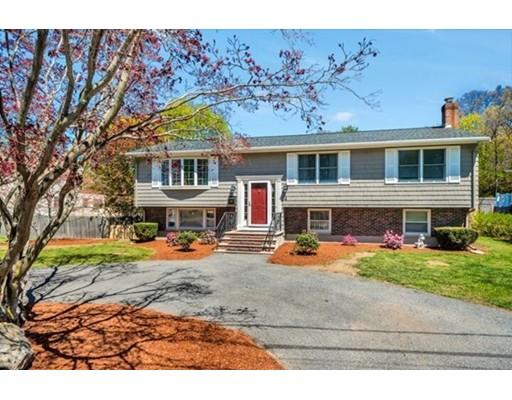 واحد منزل الأسرة للـ Sale في 4 Sherman Place Court 4 Sherman Place Court Woburn, Massachusetts 01801 United States