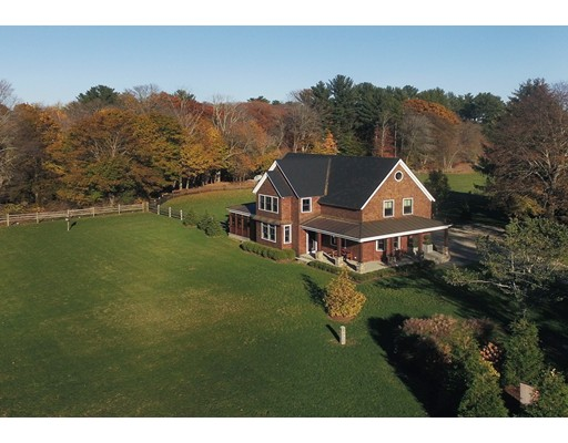 Частный односемейный дом для того Продажа на 649 Bay Road 649 Bay Road Hamilton, Массачусетс 01982 Соединенные Штаты