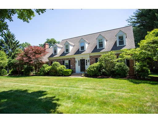 Casa Unifamiliar por un Venta en 73 Twin Hills Drive 73 Twin Hills Drive Longmeadow, Massachusetts 01106 Estados Unidos