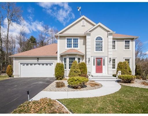 Maison unifamiliale pour l Vente à 13 Overlook Drive 13 Overlook Drive Wilbraham, Massachusetts 01095 États-Unis
