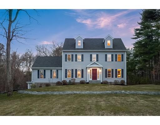 独户住宅 为 销售 在 7 Lemore Avenue 7 Lemore Avenue 莱克威尔, 马萨诸塞州 02347 美国