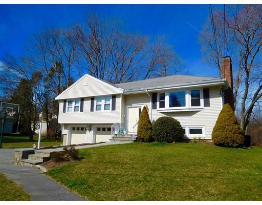 Casa Unifamiliar por un Alquiler en 14 Mackintosh Avenue 14 Mackintosh Avenue Needham, Massachusetts 02492 Estados Unidos