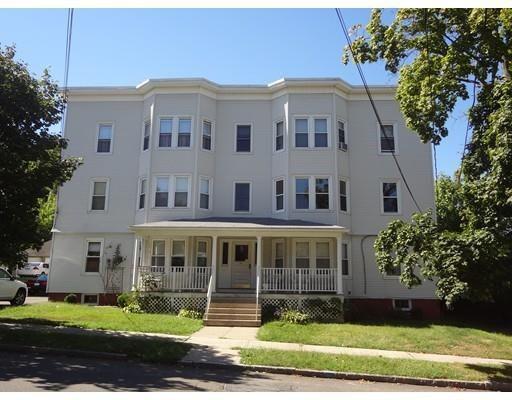 متعددة للعائلات الرئيسية للـ Sale في 54 Bell Street 54 Bell Street Chicopee, Massachusetts 01013 United States