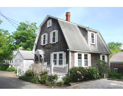 Maison unifamiliale pour l Vente à 19 Kent Place 19 Kent Place Chatham, Massachusetts 02633 États-Unis