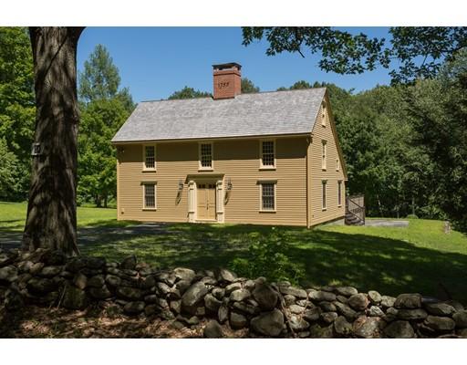 Casa Unifamiliar por un Venta en 18 Village Hill Road 18 Village Hill Road Williamsburg, Massachusetts 01096 Estados Unidos