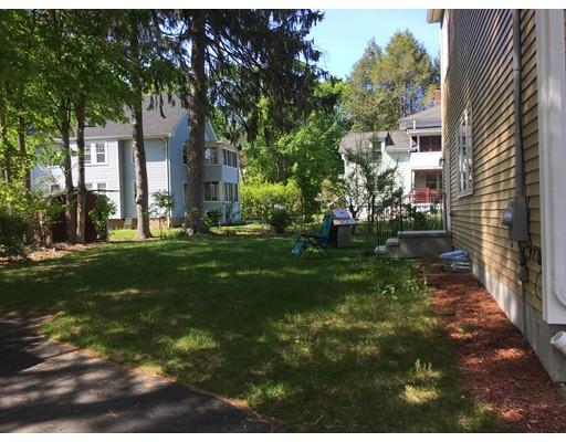 Casa Unifamiliar por un Alquiler en 7 Walnut Street 7 Walnut Street Needham, Massachusetts 02492 Estados Unidos