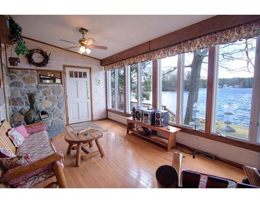 独户住宅 为 销售 在 83 Laurel Hill Drive 83 Laurel Hill Drive Woodstock, 康涅狄格州 06281 美国