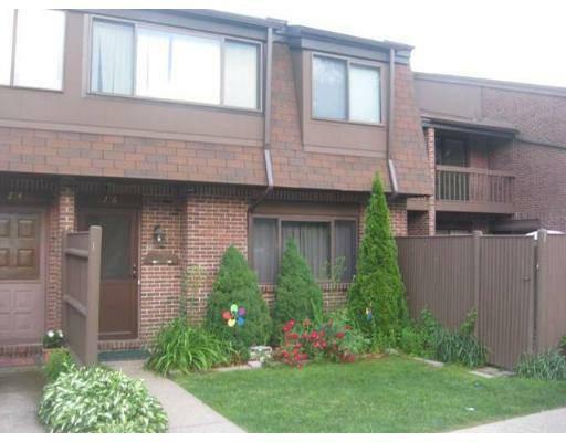 Casa Unifamiliar por un Alquiler en 276 Greenbrook Drive 276 Greenbrook Drive Stoughton, Massachusetts 02072 Estados Unidos
