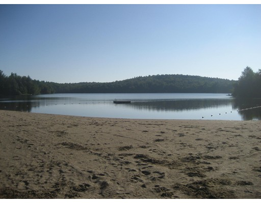 土地,用地 为 销售 在 4 Porcupine Point 4 Porcupine Point Tolland, 马萨诸塞州 01034 美国