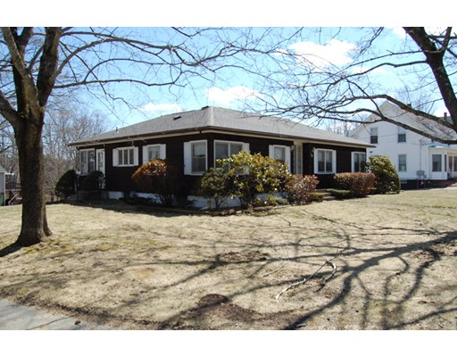 Casa Unifamiliar por un Venta en 35 Walnut Street 35 Walnut Street North Brookfield, Massachusetts 01535 Estados Unidos