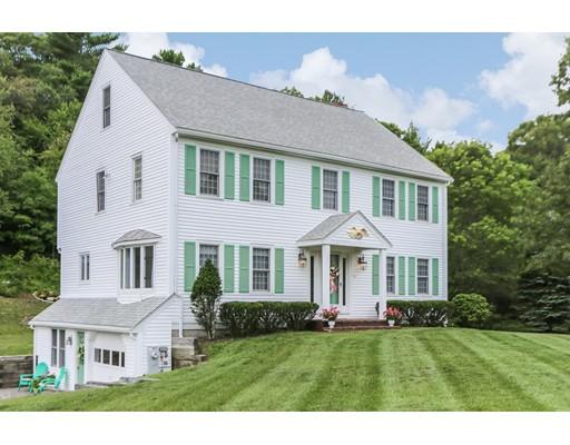Casa Unifamiliar por un Venta en 54 Lakeside Terrace 54 Lakeside Terrace Hanson, Massachusetts 02341 Estados Unidos