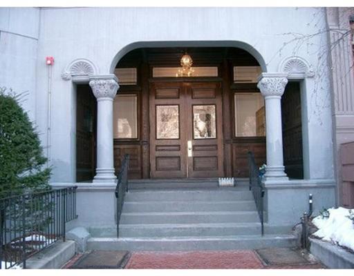290 Commonwealth Avenue, Boston, MA 02115