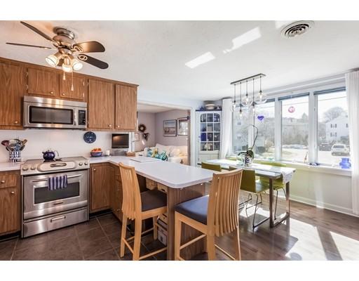 Многосемейный дом для того Продажа на 30 Elmwood Park 30 Elmwood Park Quincy, Массачусетс 02170 Соединенные Штаты