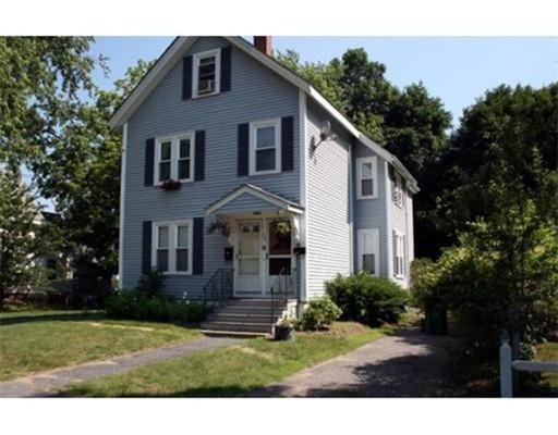 Casa Unifamiliar por un Alquiler en 20 Shawmut Avenue 20 Shawmut Avenue Wayland, Massachusetts 01778 Estados Unidos