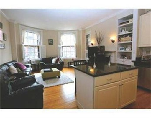 8 Gloucester St, Boston, MA 02115