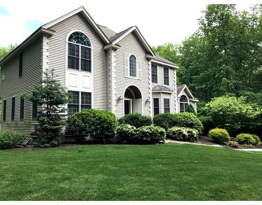独户住宅 为 销售 在 96 Shannon Road 96 Shannon Road Atkinson, 新罕布什尔州 03811 美国