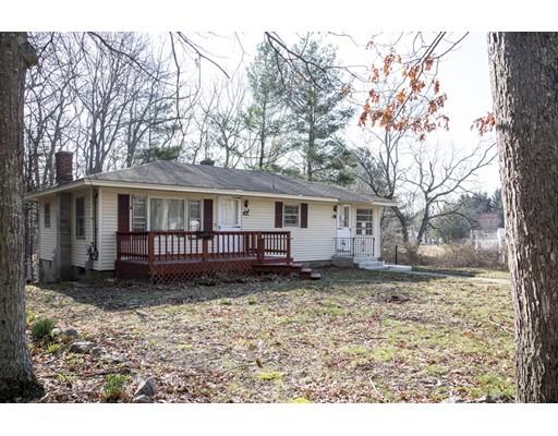 واحد منزل الأسرة للـ Sale في 17 Countryside Drive 17 Countryside Drive Johnston, Rhode Island 02919 United States