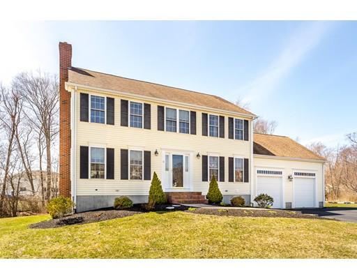 Casa Unifamiliar por un Venta en 11 Fieldstone Circle 11 Fieldstone Circle Whitman, Massachusetts 02382 Estados Unidos