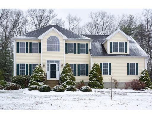 Casa Unifamiliar por un Venta en 12 Granite Drive 12 Granite Drive Millis, Massachusetts 02054 Estados Unidos
