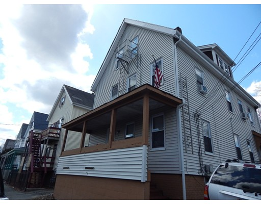 Maison unifamiliale pour l à louer à 12 MEADOW Street 12 MEADOW Street Taunton, Massachusetts 02780 États-Unis