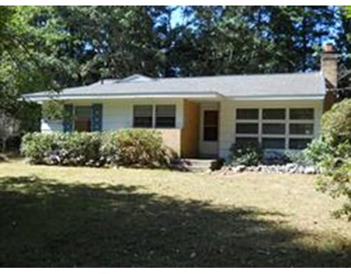 Casa Unifamiliar por un Alquiler en 116 Lincoln Road 116 Lincoln Road Wayland, Massachusetts 01778 Estados Unidos