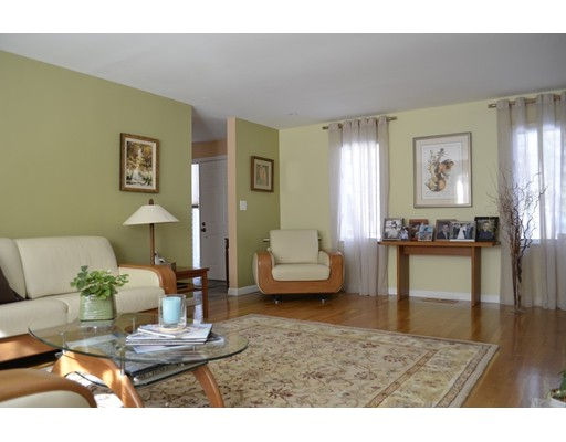 Picture 1 of 10 Fox Hollow Unit 10 Wayland Ma  2 Bedroom Condo#