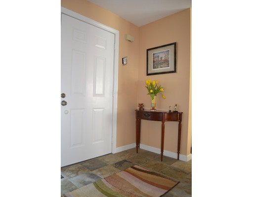 Picture 3 of 10 Fox Hollow Unit 10 Wayland Ma 2 Bedroom Condo