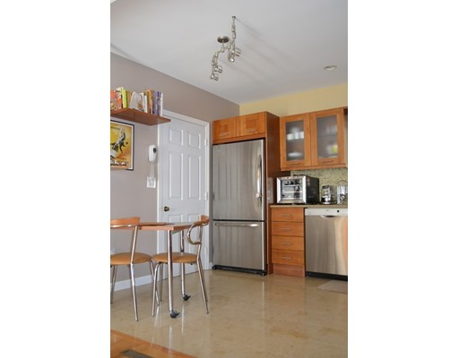 Picture 6 of 10 Fox Hollow Unit 10 Wayland Ma 2 Bedroom Condo