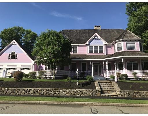 Casa Unifamiliar por un Venta en 61 Roma Lane 61 Roma Lane Reading, Massachusetts 01867 Estados Unidos