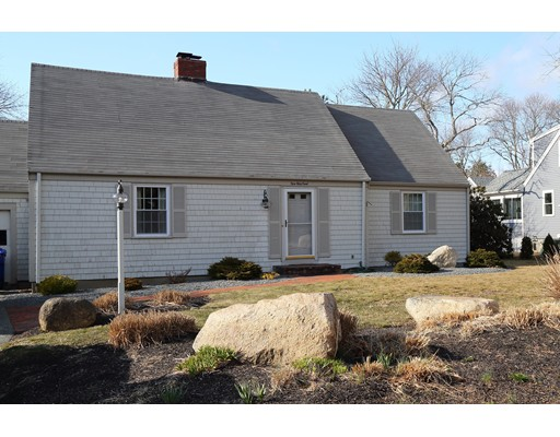 Casa Unifamiliar por un Alquiler en 9 Wing Rd #0 9 Wing Rd #0 Bourne, Massachusetts 02559 Estados Unidos