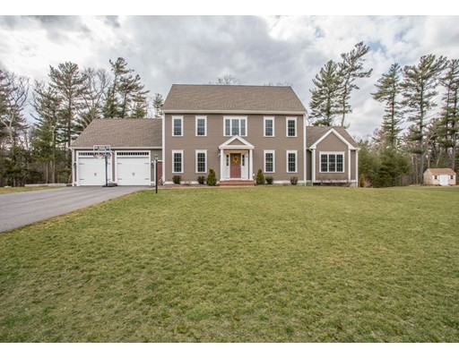 Casa Unifamiliar por un Venta en 20 Strathmore Road 20 Strathmore Road East Bridgewater, Massachusetts 02333 Estados Unidos