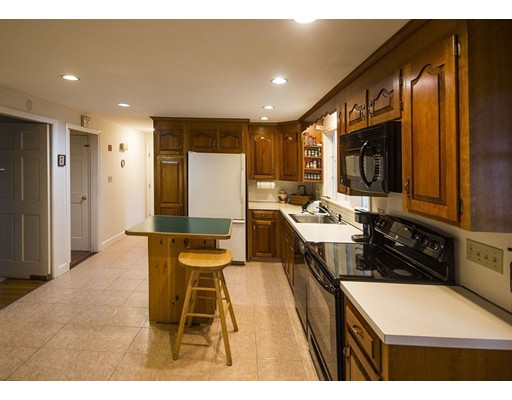 Picture 9 of 42 Country Club  Dedham Ma 4 Bedroom Single Family