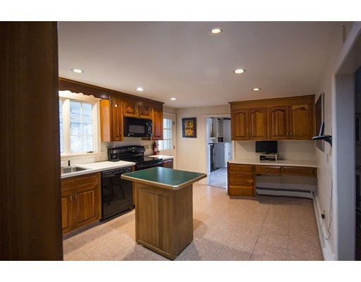 Picture 11 of 42 Country Club  Dedham Ma 4 Bedroom Single Family