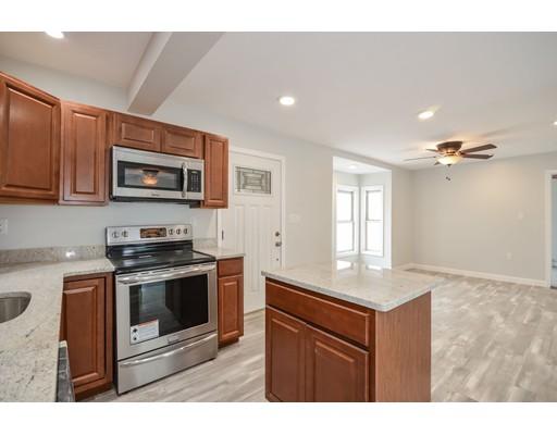 独户住宅 为 出租 在 9 Cottage Court 9 Cottage Court Middleboro, 马萨诸塞州 02346 美国