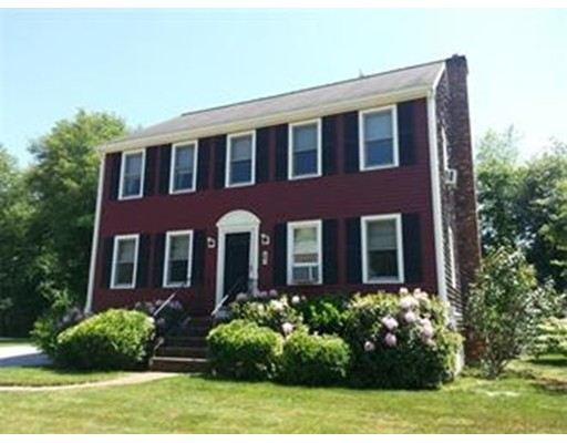 Casa Unifamiliar por un Venta en 5 King Phillip Circle 5 King Phillip Circle Rockland, Massachusetts 02370 Estados Unidos