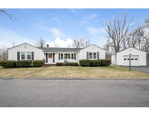 Maison unifamiliale pour l Vente à 22 Virginia Circle 22 Virginia Circle Grafton, Massachusetts 01519 États-Unis
