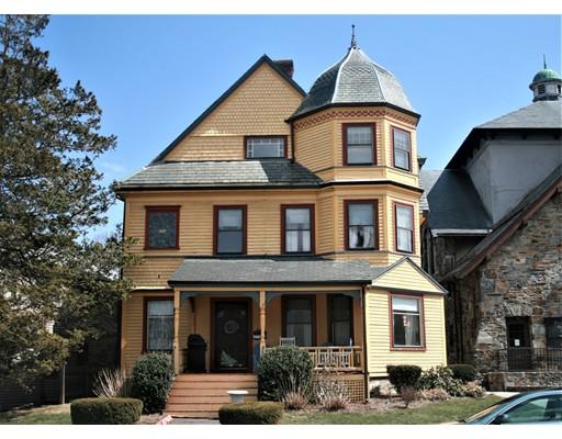 Maison unifamiliale pour l Vente à 647 Main Street 647 Main Street Melrose, Massachusetts 02176 États-Unis