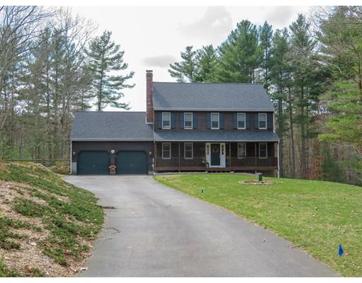 واحد منزل الأسرة للـ Sale في 39 Maureen Way 39 Maureen Way Millville, Massachusetts 01529 United States