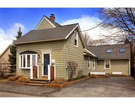Picture 2 of 42 River St  Danvers Ma 3 Bedroom Single Family