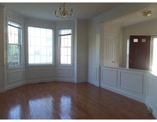 Частный односемейный дом для того Аренда на 46 Tulip Circle 46 Tulip Circle Grafton, Массачусетс 01560 Соединенные Штаты