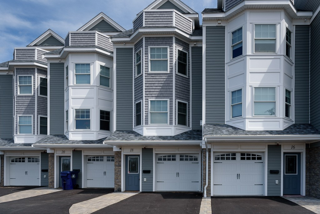 18 Rockland Cir. #3, Hull, Massachusetts
