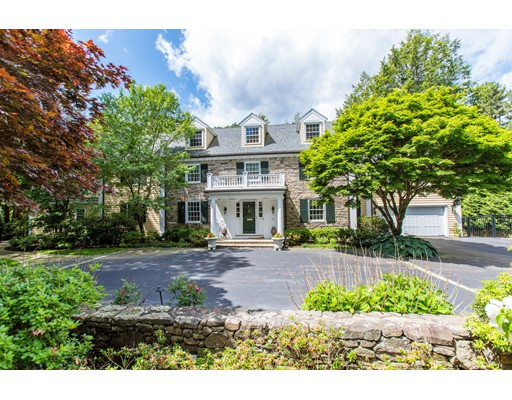 Casa Unifamiliar por un Venta en 62 Woodcliff Road 62 Woodcliff Road Wellesley, Massachusetts 02481 Estados Unidos