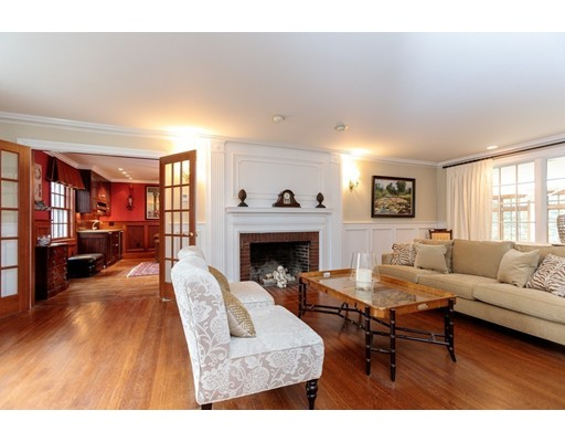 62 Woodcliff Rd, Wellesley, MA, 02481