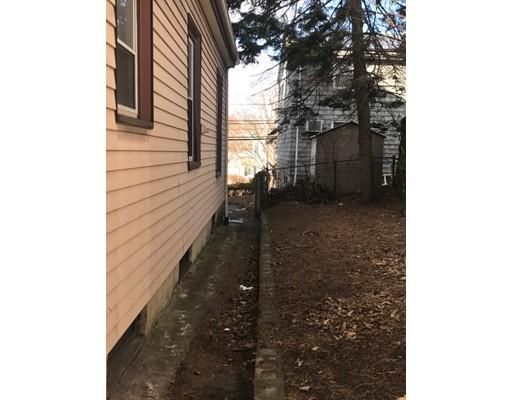 39 Woodlawn St, Everett, MA, 02149