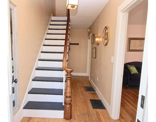 Picture 2 of 124 Bussey St  Dedham Ma 3 Bedroom Single Family