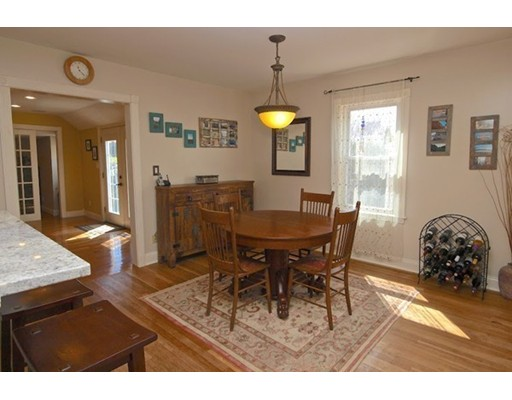 Picture 6 of 124 Bussey St  Dedham Ma 3 Bedroom Single Family