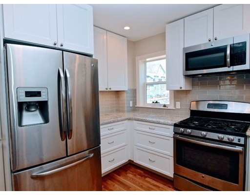 Picture 10 of 124 Bussey St  Dedham Ma 3 Bedroom Single Family