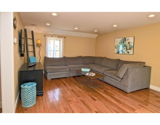 Picture 12 of 124 Bussey St  Dedham Ma 3 Bedroom Single Family